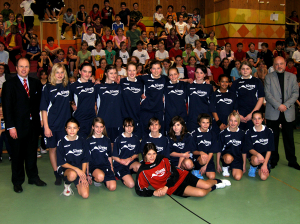 Trikotbergabe_Gymnasium_Bleidenstadt6-600.jpg
